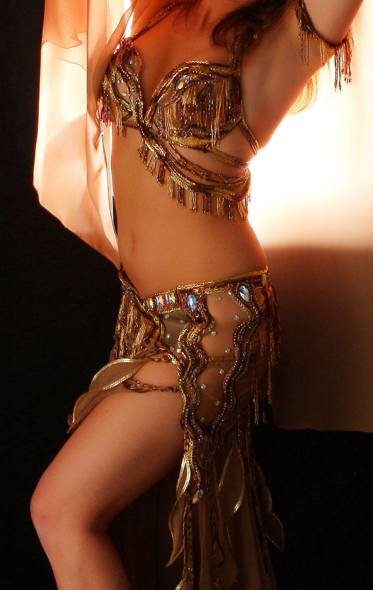 Best Arabic Dance submited images.