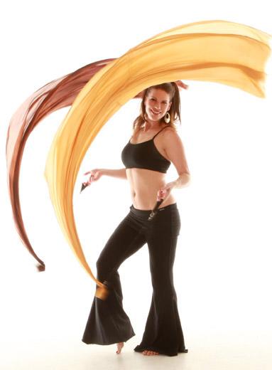 http://www.arabicdance.net/galleryphotos/VOI2.jpg